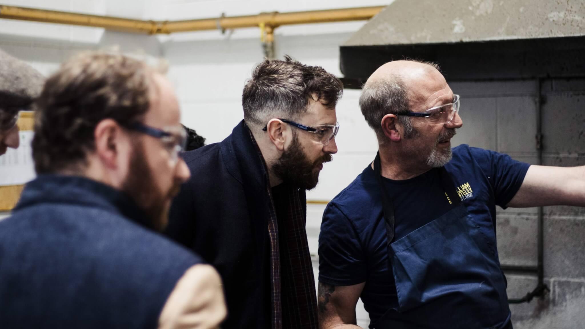 meeting-the-bespoke-tailoring-shears-makers